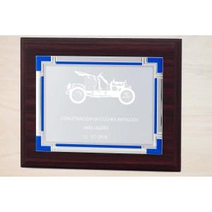 Estuche economico con madera y placa personalizada con detalles azules