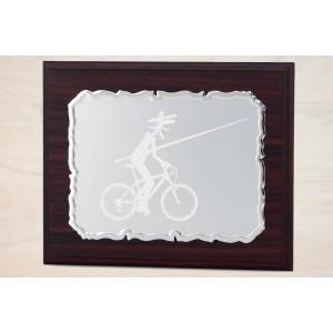 Estuche economico con madera y placa personalizada con linia dorada